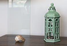 Foto di natura morta - i dettagli interni si chiudono su, coperture e candela Fotografia Stock