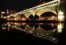 Foto di notte del ponte del superiore di Detroit Fotografia Stock