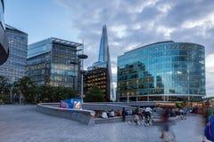 Foto di notte il grattacielo del coccio a Londra, Inghilterra, Regno Unito Fotografie Stock Libere da Diritti
