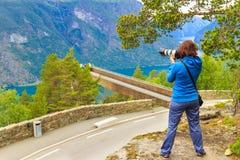 Foto di presa turistica dal punto di vista Norvegia di Stegastein Immagine Stock
