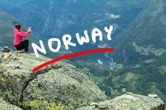 Foto di presa turistica dal punto di vista Norvegia di Dalsnibba Immagine Stock