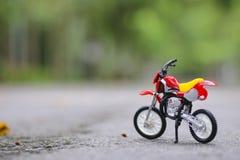 Foto di riserva: primo piano di profondità di campo di Shallow del modello del motociclo fotografia stock