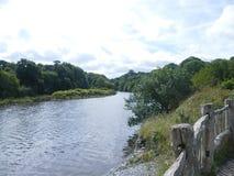 foto di un fiume Regno Unito di lingua gallese fotografie stock libere da diritti