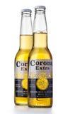 Foto di una bottiglia di Corona Extra Beer immagini stock libere da diritti