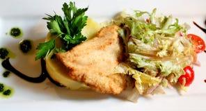 Foto di uno schnitze delizioso del pollo Fotografie Stock Libere da Diritti
