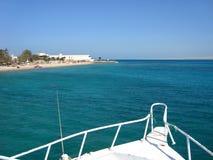 Foto di vista sul mare dall'yacht fotografia stock