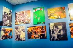 Foto di Warner Bros dentro le viste Giro Hollywood, GIRO dello studio di VIP fissi il film della città di lego, il vestito del su Fotografia Stock