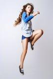 Foto do estúdio da jovem mulher no fundo branco Imagens de Stock Royalty Free
