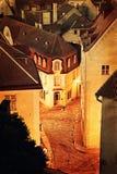 Cidade européia velha na noite Fotos de Stock