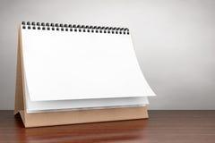 Foto do estilo velho Calendário da espiral da mesa do papel vazio foto de stock
