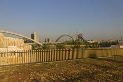 Foto do panorama de HDR da vista da parte superior do grande pavilhão do russo na EXPO 2015 de Milão e em uma ponte no fundo Imagens de Stock Royalty Free