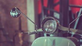 Foto do transporte do farol da motocicleta do vintage fotografia de stock