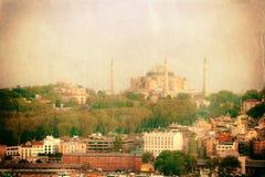 Foto do vintage da opinião urbana de Istambul fotografia de stock royalty free