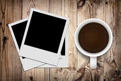 Foto e caffè in bianco Immagine Stock