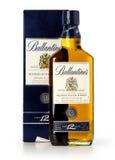 Foto eines botle von Ballantines 12 Jahre alt Lizenzfreie Stockfotografie