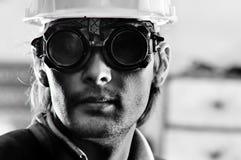 Foto eines Mannes im Sturzhelm und in den Schutzbrillen Stockfoto