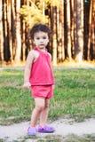 Foto eines recht kleinen Mädchens Stockbild