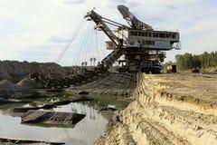 Foto eines riesigen Steinbruchbaggers Stockbilder