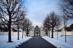 Foto eines schneebedeckten Weges lizenzfreies stockfoto