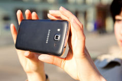 Foto eines Smartphone Samsungs Android Stockfotos