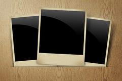 Foto em branco do frame na madeira Fotos de Stock Royalty Free