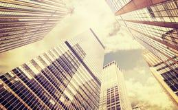 Foto estilizada retra de rascacielos en Manhattan, NYC Imagen de archivo
