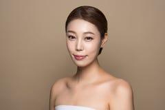 foto fêmea asiática nova da beleza do estúdio 20s - isolada Fotografia de Stock