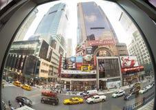 Foto för Fisheye lins av den berömda Broadway gatan Royaltyfria Bilder