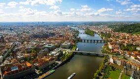 Foto för flyg- sikt av gotisk Prague för historisk gammal stad Cityscape i Tjeckien Royaltyfri Bild