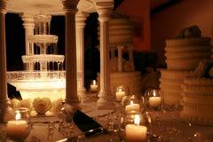Foto för lågt ljus av bröllopstårtan Royaltyfri Bild