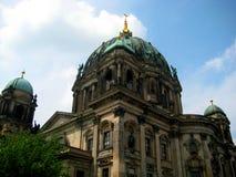 Foto från arkitektonisk byggnad av Berlin Evangelical Cathedral eller huset i Berlin Fotografering för Bildbyråer