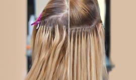 Foto before and after haaruitbreidingen tot een jong meisje, een blonde in een schoonheidssalon royalty-vrije stock foto's