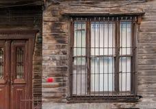 Ventana de madera vieja del edificio Imagen de archivo