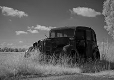 Foto infrarossa di un'automobile antica, Paesi Bassi Immagine Stock