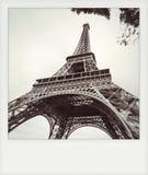 Foto inmediata de la torre Eiffel en blanco y negro imagenes de archivo
