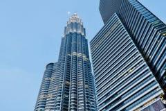 Foto lateral de las torres gemelas de Petronas fotos de archivo libres de regalías
