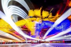Foto longa da exposição, fuga de luzes abstrata da rotação colorida foto de stock royalty free