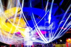 Foto longa da exposição, fuga de luzes abstrata da rotação colorida imagens de stock royalty free