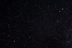 Foto lunga di notte di esposizione Molte stelle con le costellazioni Lontano dalla città fotografia stock