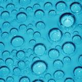 Foto macro de bolhas químicas cianas Fotografia de Stock Royalty Free