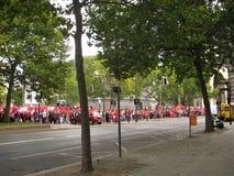 Foto met een demonstratie van de Diaspora Turkse ingezetenen van de hoofdstad van Berlijn in Duitsland Stock Foto