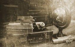 Foto mit gealterten Effekt Weinlese-Reisendeinzelteilen Lizenzfreies Stockfoto