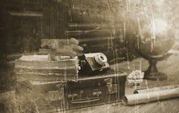 Foto mit gealterten Effekt Weinlese-Reisendeinzelteilen Lizenzfreie Stockfotografie