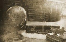 Foto mit gealterten Effekt Weinlese-Reisendeinzelteilen Stockfotos
