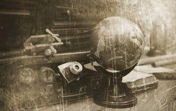 Foto mit gealterten Effekt Weinlese-Reisendeinzelteilen Stockfoto