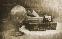 Foto mit gealterten Effekt Weinlese-Reisendeinzelteilen Stockbild