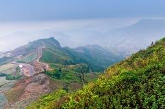 foto molle, foschia e nebbia di mattina, punto di vista di PhuTubberk e r Immagini Stock