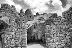 Foto negra y blanca de la vivienda de Machu Picchu Imagen de archivo libre de regalías