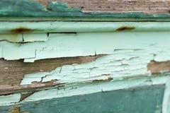 Foto orizzontale di vecchio legno con la pittura di pelatura scheggiata dell'alzavola immagini stock libere da diritti