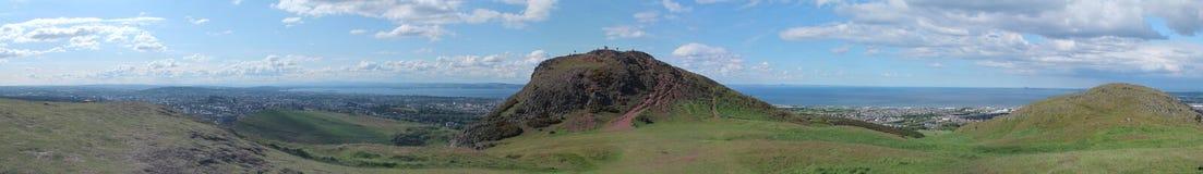 Foto panoramica della sede e di Edinburgh del Arthur Immagine Stock